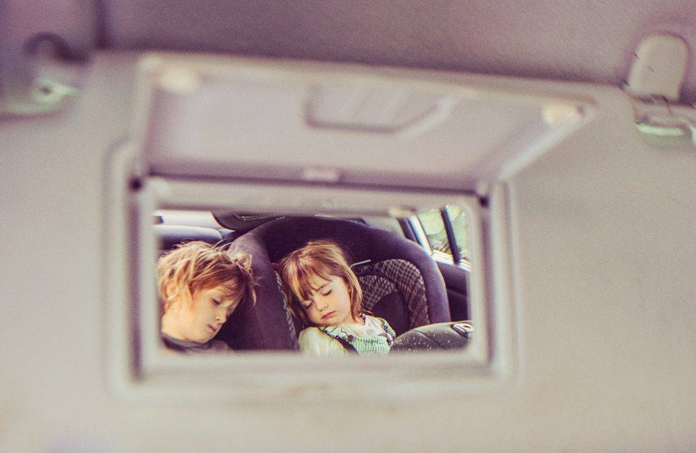 5 reasons why kids should ride in the back seat