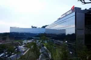 Kumho's new 35,000 square metre R&D centre at Yongin City in Korea which serves as the hub of Kumho's global research and development network joining the facilities in America, Germany and China
